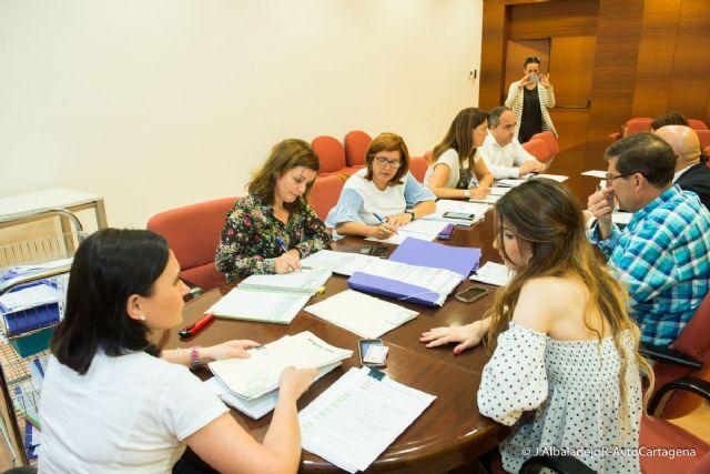 La Mesa de Contratacion adjudica la gestion de los centros de estancias diurnas de El Algar y Los Dolores - 1, Foto 1