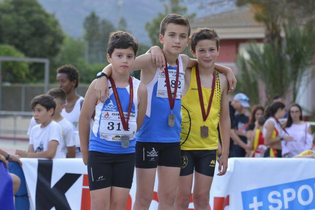 36 medallas para el Club Atletismo Alhama en la final regional benjamín, alevín e infantil, Foto 2