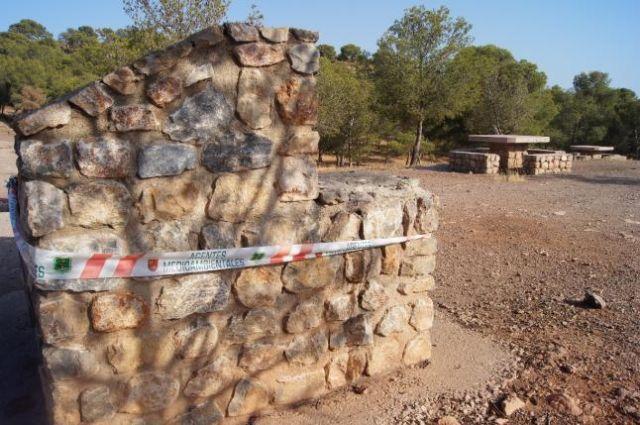 A partir de mañana queda terminantemente prohibido realizar fuegos en las barbacoas habilitadas en el Parque Regional de Sierra Espuña