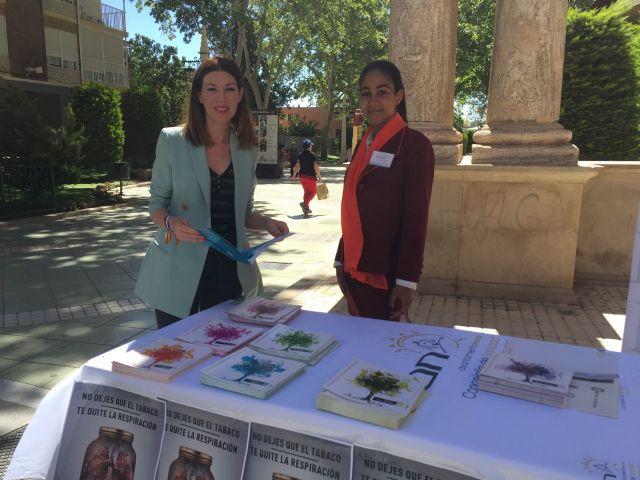 La Concejalía de Sanidad instala una mesa informativa para alertar sobre los efectos negativos de fumar con motivo de la conmemoración del Día mundial sin Tabaco - 1, Foto 1