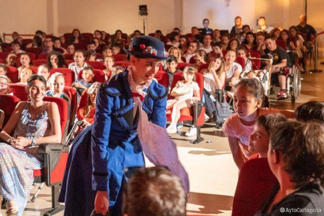 Mary Poppins pone la nota final de la XXXI Muestra de Teatro Escolar - 1, Foto 1