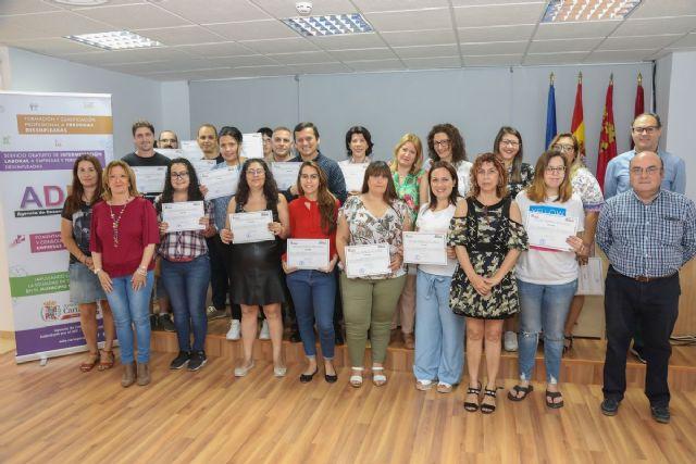 Los alumnos del Programa Conecta de la ADLE reciben sus diplomas - 1, Foto 1