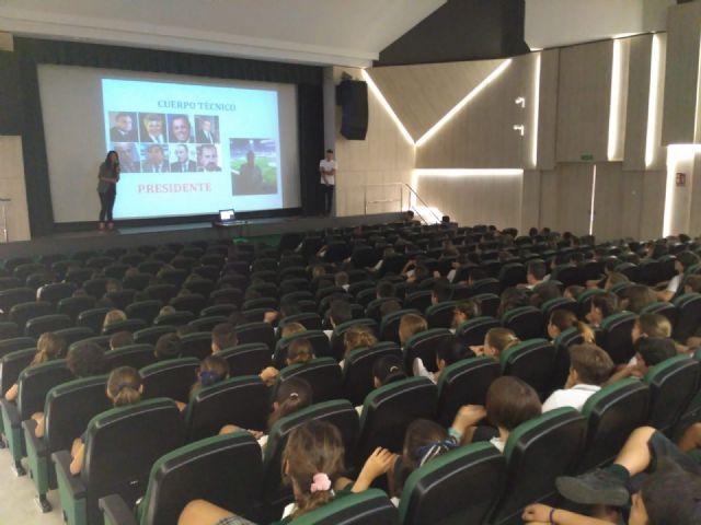 Día de aprendizaje sobre nutrición y deporte en el colegio Carmelitas - 1, Foto 1