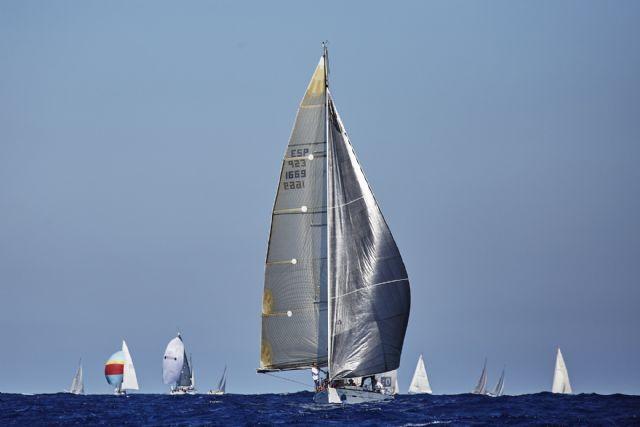 Pez de Abril,  Cañas II, Saleroso 2.0 y  Albama 2 copan los primeros puestos en la primera jornada de la XI Regata Solidaria Carburo de Plata - 2, Foto 2