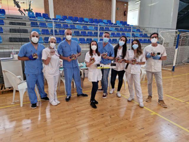 Looije dona 2.340 tarrinas de tomate cherry Sarita entre personas vacunadas y sanitarios de Águilas - 3, Foto 3