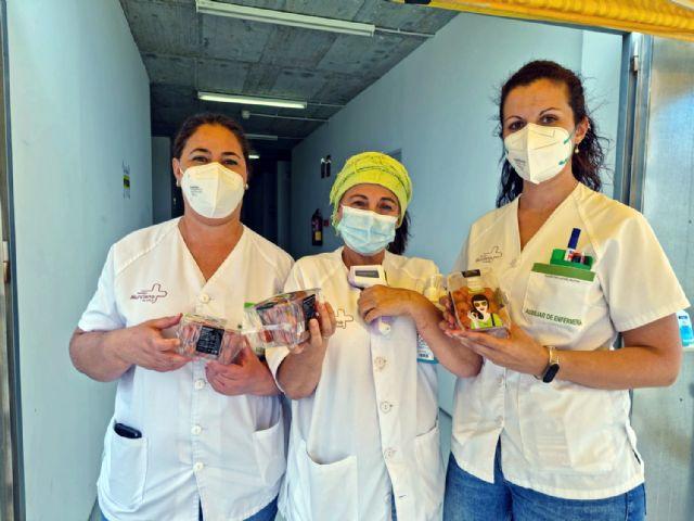 Looije dona 2.340 tarrinas de tomate cherry Sarita entre personas vacunadas y sanitarios de Águilas - 4, Foto 4