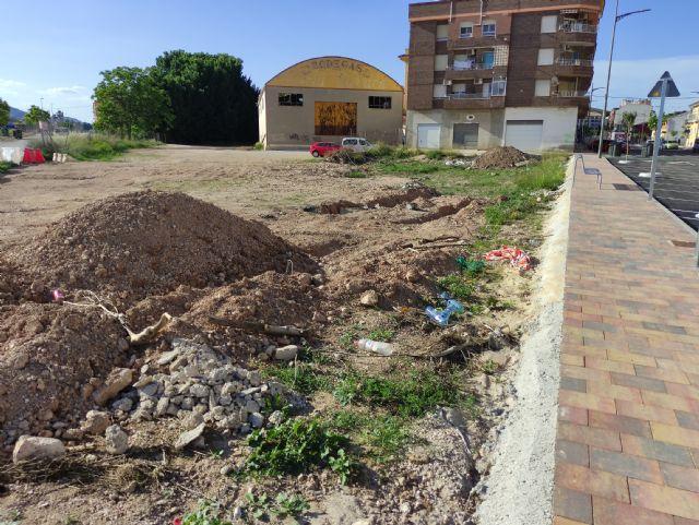 IU VERDES valora como mediocre o mediocre-mala la ejecución de la obra en la Avda de la Asunción - 5, Foto 5