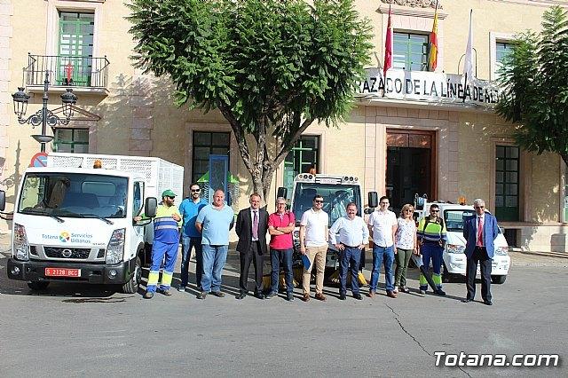Se presenta la nueva maquinaria adquirida por la concesionaria del servicio de limpieza viaria y recogida de residuos sólidos urbanos, Foto 1
