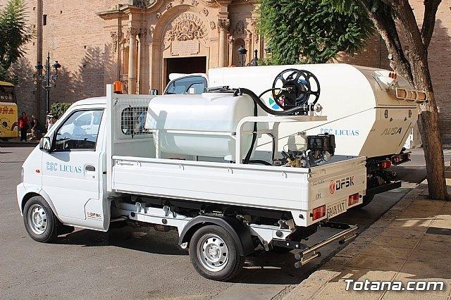 Se presenta la nueva maquinaria adquirida por la concesionaria del servicio de limpieza viaria y recogida de residuos sólidos urbanos, Foto 2