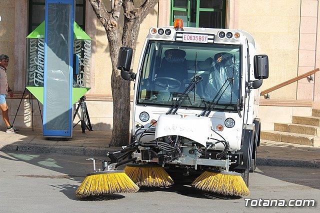 Se presenta la nueva maquinaria adquirida por la concesionaria del servicio de limpieza viaria y recogida de residuos sólidos urbanos, Foto 3