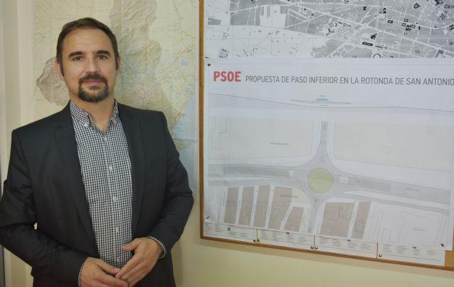 Mateos satisfecho tras conseguir que el PP se baje del burro y acceda a construir el paso a doble nivel en San Antonio propuesto por el PSOE - 1, Foto 1