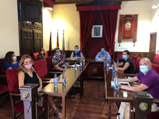 Reunión entre el Ayuntamiento y los centros educativos públicos del municipio - 1, Foto 1