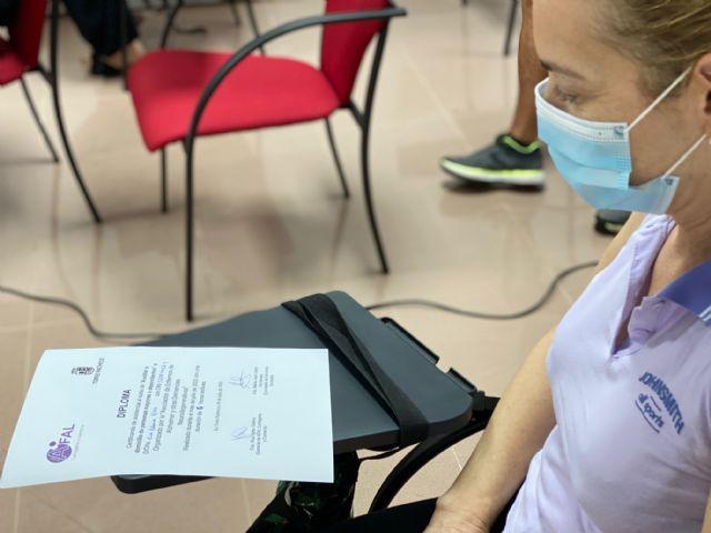 Formación para auxiliares del servicio de apoyo a cuidadores y terapias rehabilitadoras - 2, Foto 2