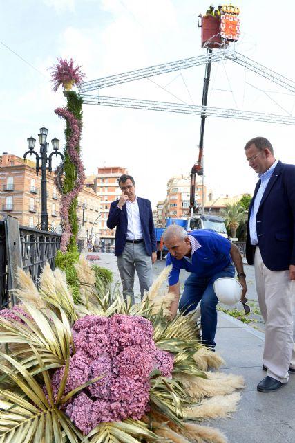 Murcia amanecerá mañana con los históricos arcos de flores para recibir a la Fuensanta - 1, Foto 1