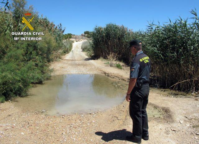 La Guardia Civil investiga al responsable de una granja por vertidos ilegales de purines - 3, Foto 3