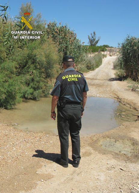 La Guardia Civil investiga al responsable de una granja por vertidos ilegales de purines - 4, Foto 4