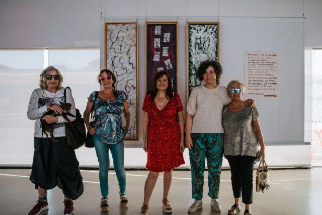 La exposicion Volver a los 17 del festival La Mar de Musicas seguira abierta unos dias mas en El Batel - 1, Foto 1
