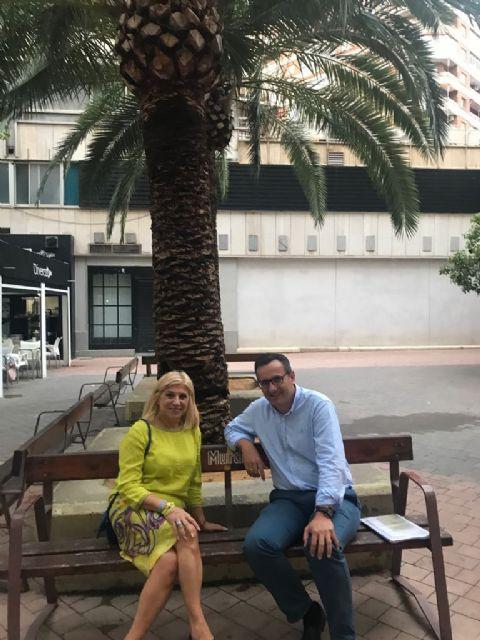 Gloria Alarcón apoya a Diego Conesa para trabajar en políticas de igualdad, Foto 2