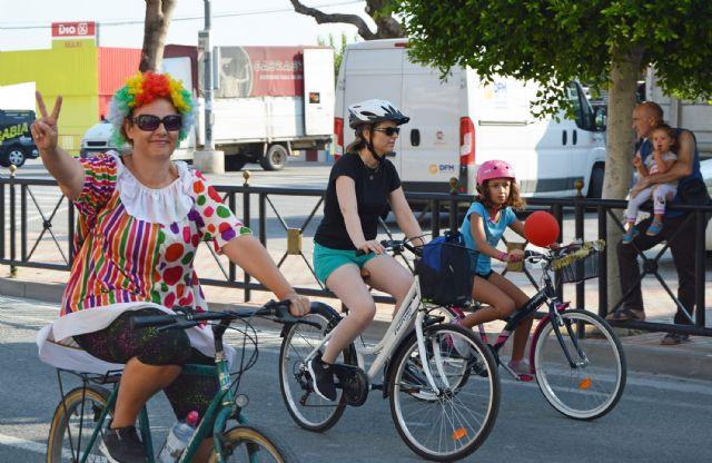 Bicicletas, paella, ofrenda floral y la música de Funambulista para enfilar el final de las fiestas torreñas - 1, Foto 1