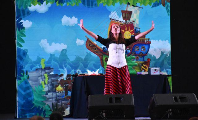 Miriam Oller y sus historias de piratas entretuvieron, el pasado viernes, a los niños y niñas de Calasparra - 1, Foto 1