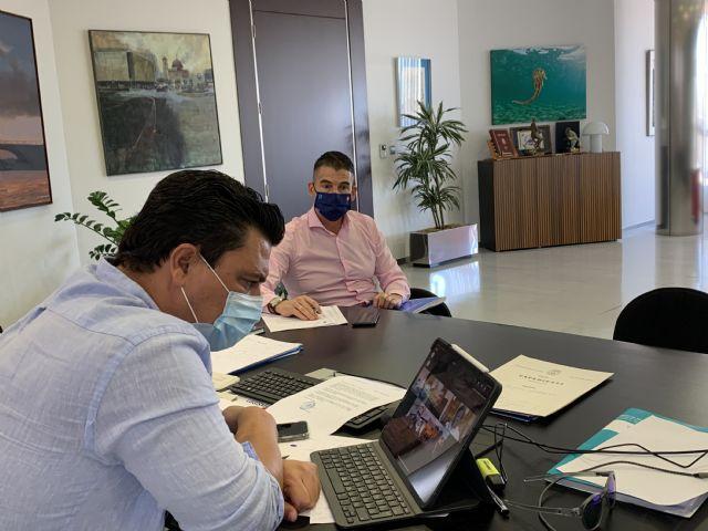 El alcalde se reúne con los pedáneos, los portavoces municipales y con el presidente López Miras y el resto de alcaldes de la Región para abordar la evolución del COVID 19 - 3, Foto 3