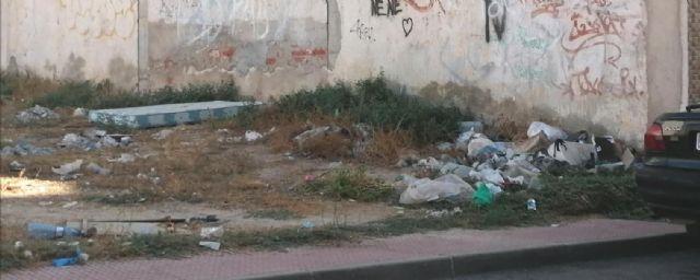 PP: el pueblo sigue sucio, sin limpiar, con desperfectos y desaparición de mobiliario urbano - 4, Foto 4