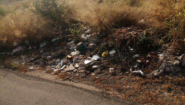 PP: el pueblo sigue sucio, sin limpiar, con desperfectos y desaparición de mobiliario urbano - 5, Foto 5
