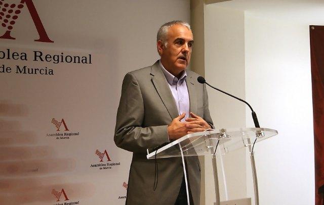 El PSOE exige a la Consejería que de manera inmediata cubra las necesidades de mobiliario escolar del IES Prado Mayor de Totana