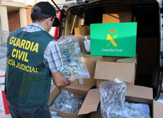 Resultado de imagen de Interceptan un camión con 180 kilos de marihuana en Lorca
