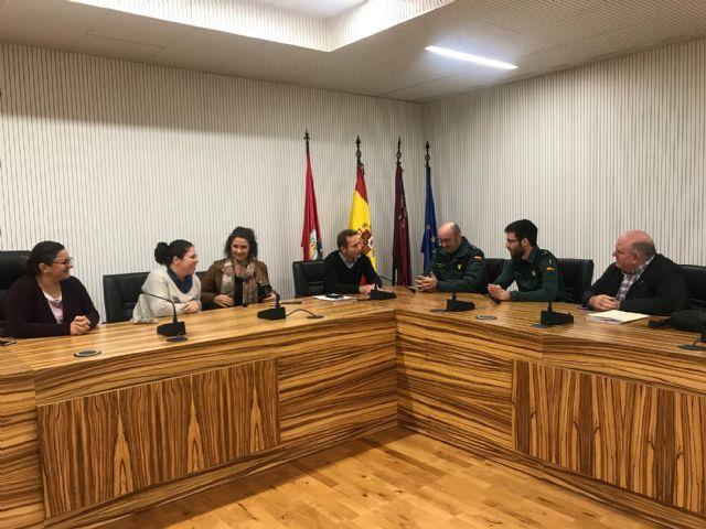 El Alcalde recibe al nuevo Teniente Comandante de Puesto Principal de la Guardia Civil, Rubén Peiró - 1, Foto 1