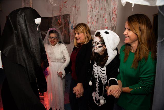 Los usuarios del Centro de Día de Oersonas con Discapacidad celebran Halloween, Foto 2
