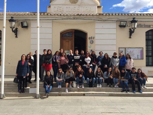 Estudiantes de Animación Sociocultural y de Integración Social visitan la Concejalía de Juventud en Torre Pacheco - 1, Foto 1