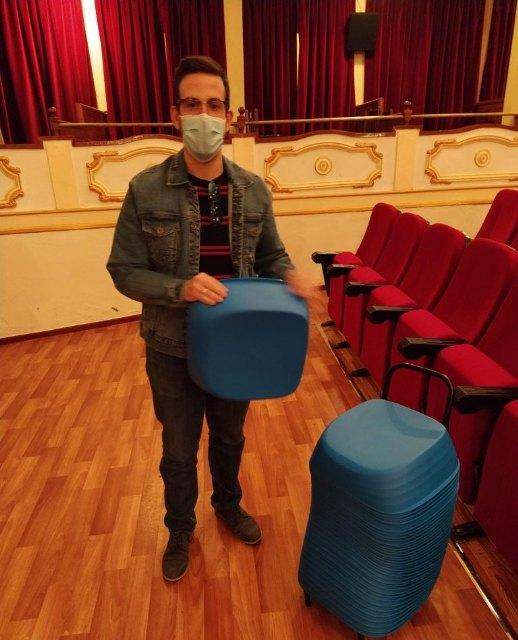 Alzadores infantiles para las butacas del cine del teatro Lope de Vega - 1, Foto 1