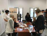 Diputadas del PP regional visitan el Centro de Día de AFADE
