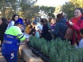 Los habitantes de Fuente Álamo se vuelcan con la plantación de pino carrasco en el Majal de Gracia