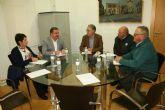 El alcalde insta a las partes a buscar vías consensuadas de diálogo y acuerdo tras la ausencia de la dirección de COATO en la mesa de trabajo convocada en el Ayuntamiento esta mañana