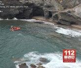 Rescatan a un ciclista accidentado tras sufrir una caída desde un espigón en la zona de la Cala del Cocón en Cabo de Palos