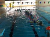 Actividades de nataci�n en los colegios de Alhama
