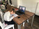 Así son las 'niñeras virtuales': un oasis en tiempos de confinamiento
