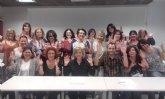 La consejera de Familia participa en un curso de la lengua de signos dirigido a promover su aprendizaje entre los funcionarios