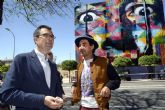 Kobra rubrica su retrato ´urbano´ de Dalí en la fachada del Puertas de Castilla y concluye su primera obra en España
