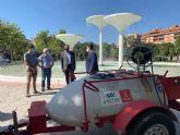 El Ayuntamiento desinfecta los parques para garantizar la seguridad de las familias murcianas