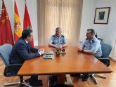 El alcalde recibe al coronel jefe saliente de la Base Aérea de Alcantarilla y a su relevo