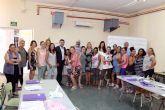 Visitan el curso de formación organizado por Cáritas, en el que han participado quince alumnos