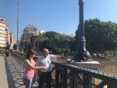 Los farolillos del Puente Viejo, que tienen 90 años, han sido restaurados