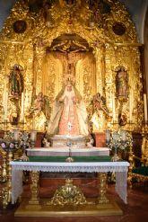 La madre de Dios de Alcalá del Río ataviada para el periodo estival