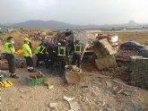 El conductor de un camión resulta herido y atrapado en la cabina del vehículo en Cieza