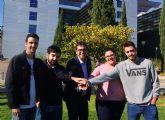 Estudiantes de Economía se proponen llevar el 'Gordo' de Navidad a la UMU