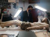 La restauración del Crucificado de la iglesia de San Francisco Javier concluirá antes de Semana Santa