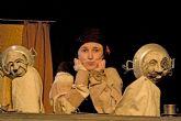 Dora Cantero dirige e interpreta la obra de títeres ADIÓS BIENVENIDA en el Teatro Villa de Molina el miércoles 3 de enero